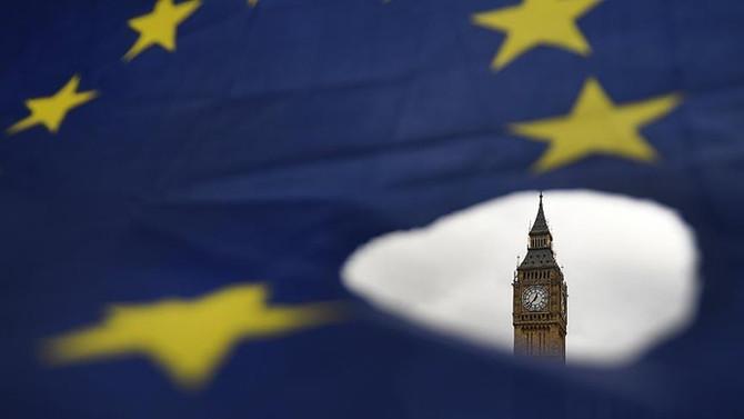 AB, B. Krallık'ın Brexit anlaşmasını değiştirme planlarına tepkili