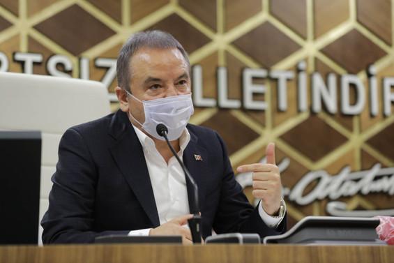 COVID-19 tedavisi gören Antalya Büyükşehir Belediye Başkanı Böcek'in durumuyla ilgili açıklama