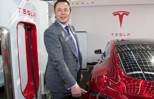 Tesla'dan rekor kayıp, değeri 80 milyar dolar azaldı