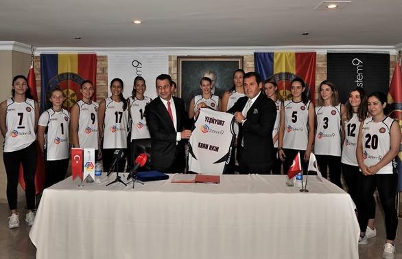 Sistem 9 Yeşilyurt Kadın Voleybol Takımı'na ana sponsor oldu