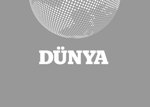 Azerbaycan'da camiye el bombası atıldı