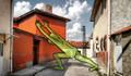 Şehrin sokaklarını 'Lilliput'larla tanıtıyor
