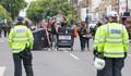 Londra'da gergin protesto
