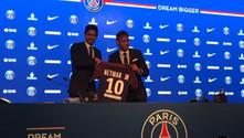 PSG Neymar'ı basına tanıttı