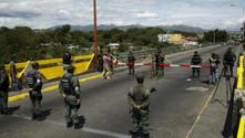 Brezilya'nın ardından Kolombiya sınırını da kapattı