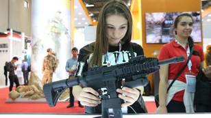 IDEF'te silah stantları büyük ilgi gördü
