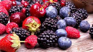 Antosiyanin için kırmızı ve mor meyveler yiyin...