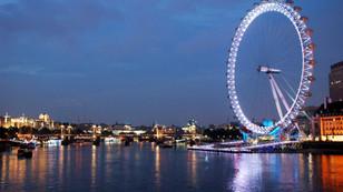 İngiltere'de turist sayısı giderek artıyor