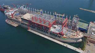 Dünyanın en büyük enerji gemisi Gana'ya yola çıkıyor