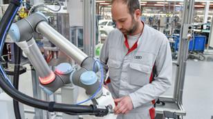 Audi'nin robot çalışanı Klara iş başı yapıyor