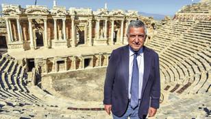 2 bin 300 yıllık kentin engellerini Tofaş kaldırıyor