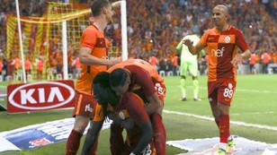 Galatasaray Gomis'le güldü