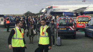 Paris'te uçakta bomba alarmı