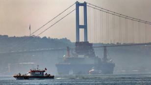 İstanbul Boğazı tek yönlü kapatıldı