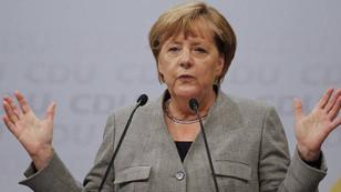 Angela Merkel, 4 kez seçimi kazandı