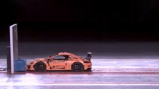 Çarpma testine giren Lego Porsche 911