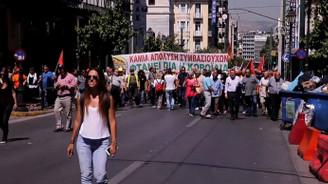Yunanistan'da temizlik işçileri ayakta