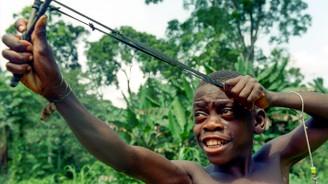 Afrika'nın 5 bin yıllık avcıları: Pigmeler