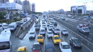 Uzmanından sürücülere bayram trafiği uyarıları