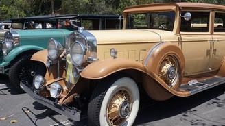 Klasik araba meraklıları bu sokakta buluştu!