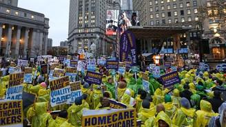 ABD'de asgari ücret için binler yürüdü