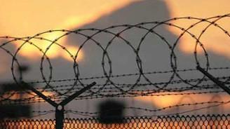 Sınırda üç Güney Koreli'ye gözaltı