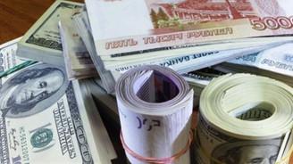 Ruble ağustosta yüzde 12 düştü