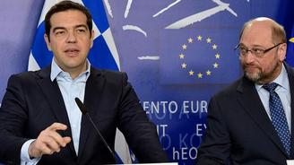 AP Başkanı Schulz'dan Yunanistan için iflas uyarısı