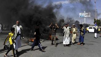 Suudi Arabistan Yemen'e askeri operasyon başlattı!