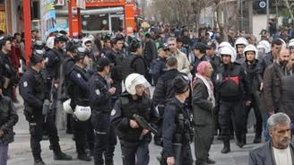 Siirt'te gerginlik: 7 polis yaralandı