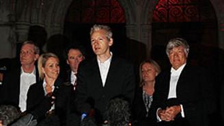 Assange yola devam dedi