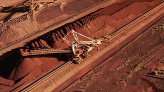 S&P demir devlerini 'negatif' izlemeye aldı