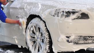 Arabasını sokakta yıkayanlara bin euro ceza