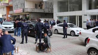 AK Parti seçim lokaline silahlı saldırı