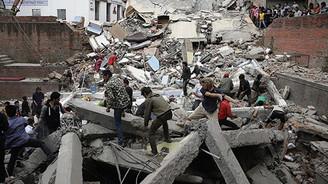 Nepal'de 7.3 büyüklüğünde deprem