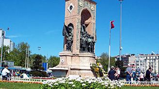 Sendikalar ve örgütler 1 Mayıs'ta Taksim'de