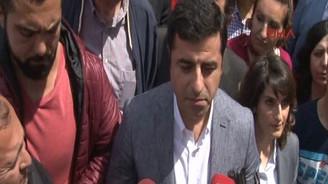 Demirtaş'tan Davutoğlu'na Taksim çağrısı