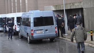 İzmir'de 7 polis gözaltına alındı