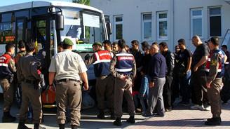 Sınırdan geçmeye çalışan kaçaklar yakalandı