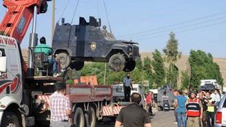 Şırnak'ta zırhlı araca boyalı saldırı