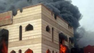 Belediye binasını yaktılar