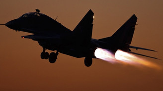 """Koalisyon uçaklarından Irak ordusuna """"dost ateşi"""""""