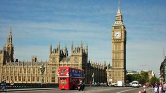Moody's: İngiliz ekonomisi güçlü büyümesini sürdürecek