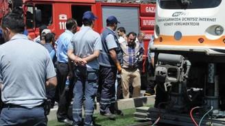 Tramvayın altında kalan yaya öldü