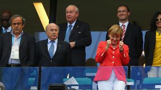 Merkel'den bile fazla kazanıyorlar