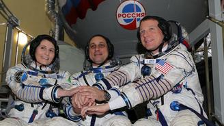 Uzay aracı Soyuz Dünya'ya döndü