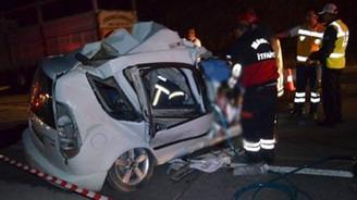 Manisa'da trafik kazası: 3 ölü