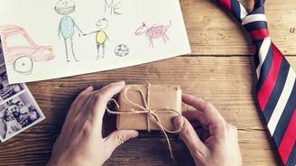 Babalara en çok akıllı telefon hediye edildi