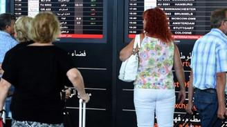 Turistler o ülkeden kaçıyor