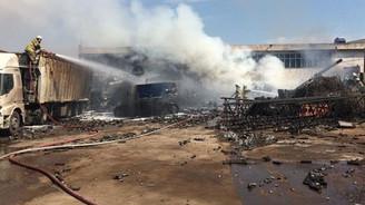 İzmir'de korkutan yangın: 2 işçi yaralandı